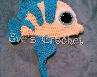 Baby flounder crochet hat