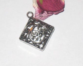 4 pendants / charms silver square filigree