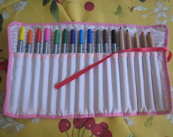 Case rolling markers or color pencils