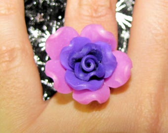 Adjustable pink and purple flower ring