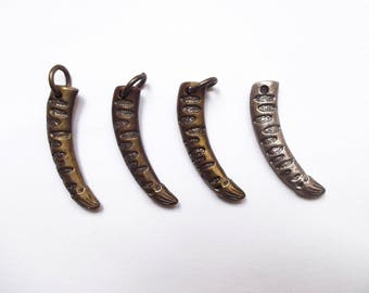 4 bronze and silver 42 mm Horn charms