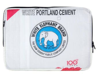 Upcycling 15-inch laptop sleeve laptop bag notebook case from cement and rice sack (motive: elephant white blue)