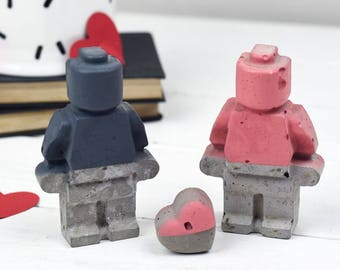 Concrete Couple – Gift For Him – valentines Day Gift– Gift for boyfriend - Lego Gift  – Housewarming Gift  - Desk accessories