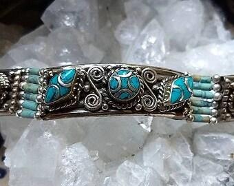 Super mooie Hand gemaakte armband gemaakt van Turkoois ,Malachiet en Tibetaans zilver.