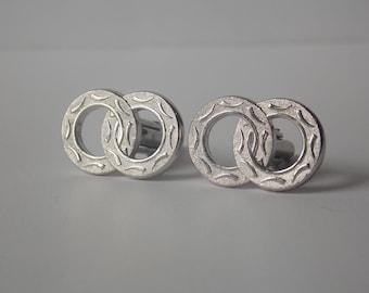 Swank Silver Tone Carved Venn Diagram Double Circle Cuff Links, Swank Cuff Links, Silver tone Cuff Links, Interlocked Circles