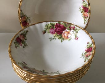 Set of 6 Royal Albert 2nd Quality Old Country Roses Dessert or Certal Dishes 1962