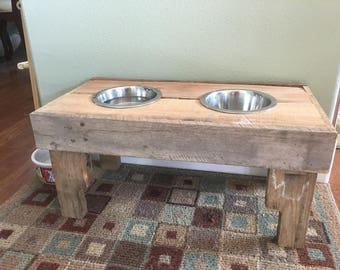 Raised Pallet wood dog bowl stand
