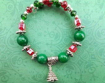 Christmas tree Bracelet,Christmas beaded Bracelet,Gifts for her,Small Christmas gift,Woodland,Friend Gift,Christmas Tree Charm, Clasp free