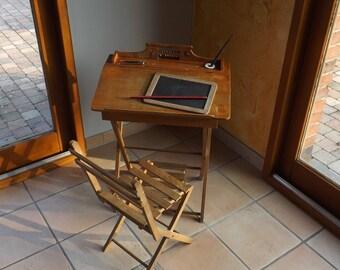 Bureau écolier bois vintage. Wooden school desk. France