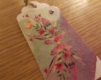 Floral glitter textured gift tags with lilac heart, packet 3