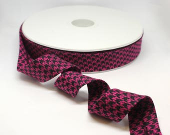 Luxury Bias Binding Tape/Trim in Fuchsia Pink and Black Dogstooth/Houndstooth Weave.