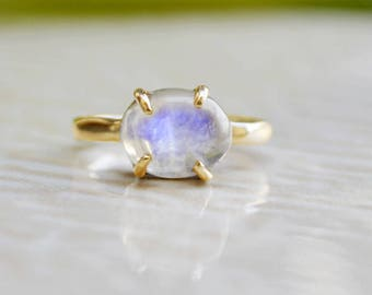 Moonstone Ring Gold - June Birthstone Ring - Oval Rainbow Moonstone Ring, Stackable Birthstone Rings - Gold Ring - Sterling silver Ring