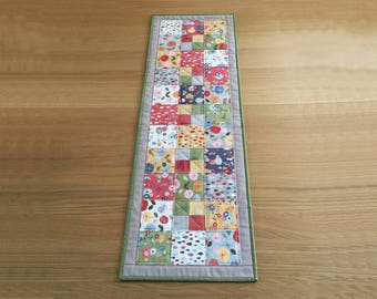 Patchwork Table Runner, Fabric Table Runner, Quilted Table Topper, Modern Table Runner, Floral Table Topper, Quilted Table Mat