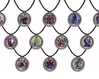 12x Disney Descendants 2 Party Favor Necklaces