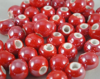 10 ceramics pearls 10 mm (PC114): red