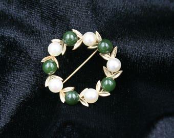 Jade & Pearl 14K Gold Brooch, Circle Pin