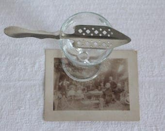 Old absinthe circa 1900/1910 silver-plated spoon. LAFONT - FRANCE.