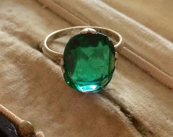 Art Deco Ring, Art Deco Emerald Paste Ring, Vintage Emerald Paste Ring, Vintage Ring, Emerald Ring, Art Deco Jewellery, Vintage Jewellery