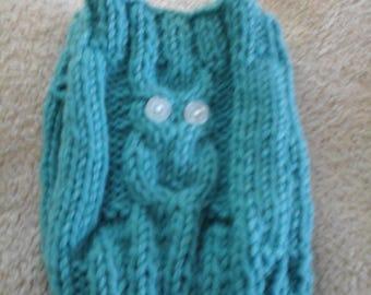 Woolen mittens teal owls