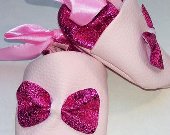Soft leather bow booties