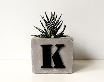 Inspirational Custom Concrete Planter & Succulent, Initial Plant Pot, Inspirational Women Gift Personalized Gift For Her Beton Wedding Favor