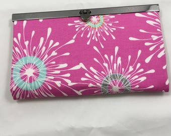 Diva Wallet, Pink Splash w Pink Zipper, Multiple Card Pockets with a Coin Zippered Pocket, Perfect Valentine's Gift for Your Sweetheart