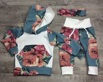 Baby girl clothes /  Newborn girl outfit /  baby girl outfit / trendy gifts / girl sweats pants / take home outfit / baby shower gifts'