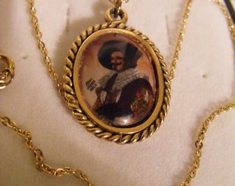 Lovely Vintage Pendant & Chain