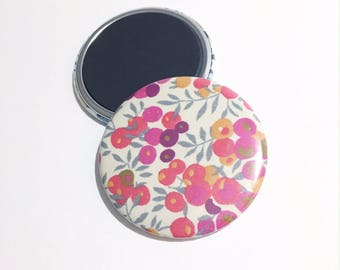 """Magnet 56mm Liberty """"wiltshire tea Neon"""" limited EDITION"""