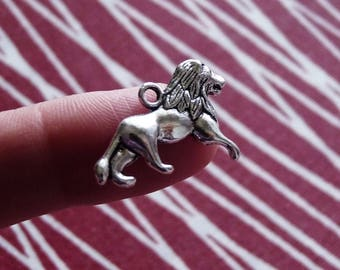Lion Charms, Animal Charms, Necklace Charms, Antique Silver Tone Lion Charms, Zoo Charms, Wild Animal Charms