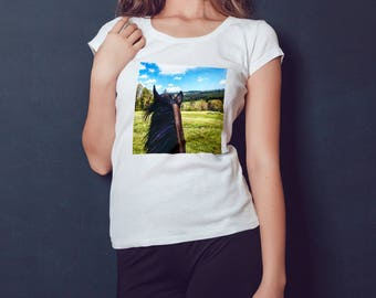 Horse in nature - Horses t-shirt - Equitation lovers tee - Equestrian life