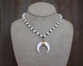 Rondelle Horn Necklace