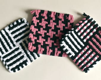 "Set of 3: Bright color, woven pot holders, hot pads - ""Deco Pink"""