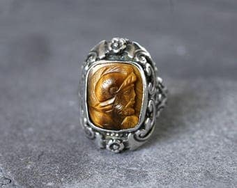 Rare Zoltan White Sterling Silver and Tigers Eye Cameo Ring, 1920s Arts and Crafts, Rococo, Austo Hungarian Revival