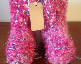Wooly Snug Slipper Boots .Pinks.