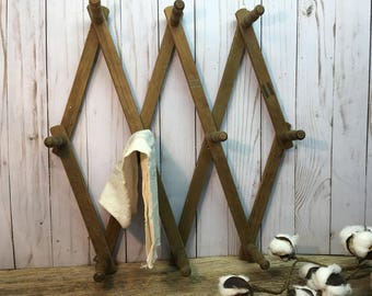 Vintage Accordion Style Peg Rack/Wood/Expandable/Coat Hanger/Farmhouse Decor