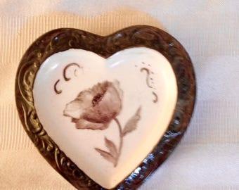 Heart trinket dish: black poppy