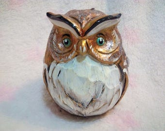 Smart Owl. Sculpture. Acrylic...Hand Painted