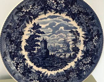Wedgwood Queens Ware collectors plate, 'The Harbour' part of 'The Blue & White Collection