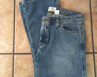 1990's Old Navy Cropped Length Jeans (Size 8) •
