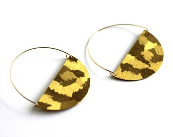 Textured brass hoop circle earrings