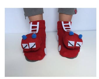 fire engine Slippers, Red Fire Engine, Infant Red shoes, Fire Trucksocks,  mens gift, husband gift, gifts boyfriend, cadeaux pour les hommes