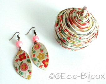 Gift box, earrings and jewelry box