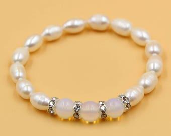 Pearl stone bracelet, white pearl bracelet, White agate bracelet, freshwater pearl jewelry, gift for her, mother daughter bracelet