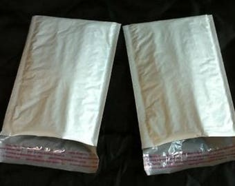 "8 -  4x8 poly bubble mailers padded envelopes  BAGS 4.5"" WIDE"