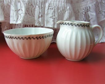 Arabia Finland: A Set Of VARPU Series Creamer And Sugar Container