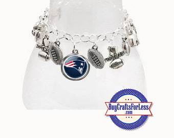NeW ENGLAND Football CHARM Bracelet, Silver Plated  **FREE U.S. SHiPPiNG**