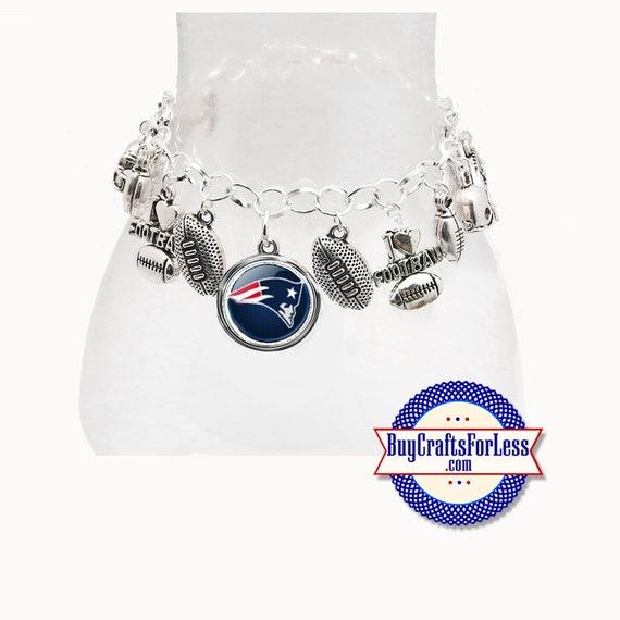 NeW ENGLAND Football CHARM Bracelet, Silver Plated  **FREE U.S. SHiPPiNG**