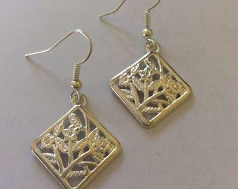 Flower earrings / flower jewellery / flower gift