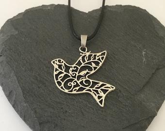 Dove necklace / dove jewellery / bird jewellery / animal necklace / animal jewellery / animal lover gift